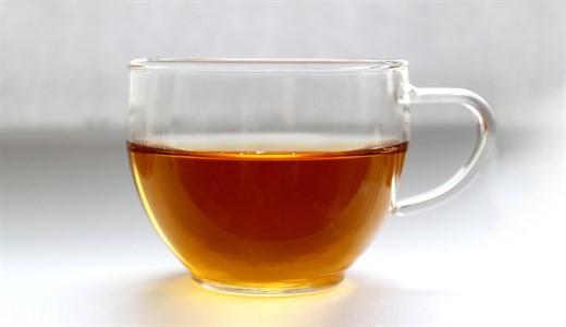 Можно ли кормящей маме чай