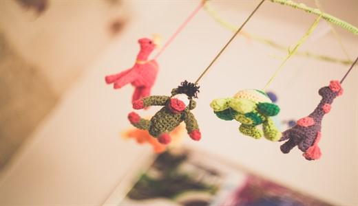 Детские игрушки для новорожденных