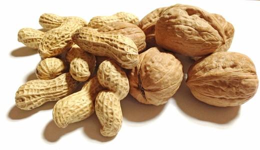 Какие орехи есть кормящей маме