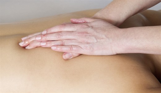 Массаж спины беременной