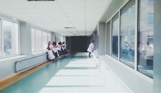 Медикаментозное обслуживание новорожденных в акушерских стационарах