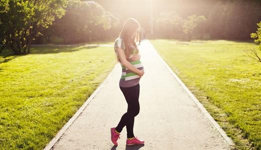 Могут ли идти месячные при беременности на ранних сроках