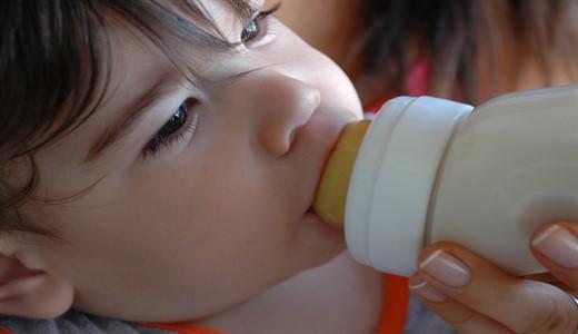 Отличие женского молока от коровьего