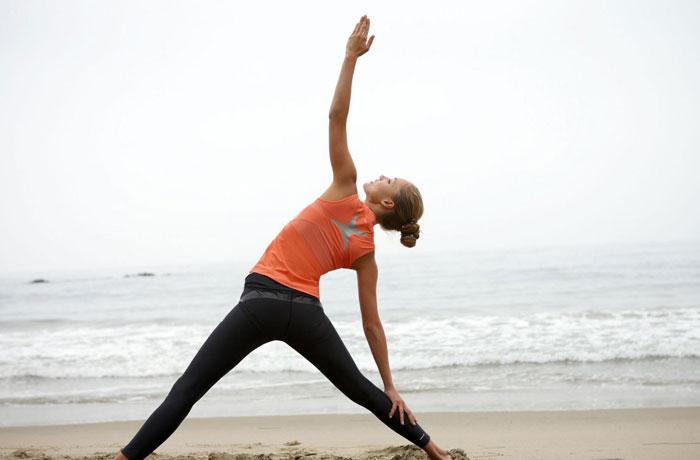Растяжки йоги с тремя позициями рук