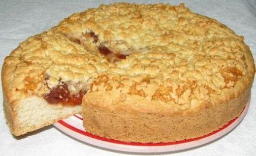 Пирог с абрикосами дрожжевой