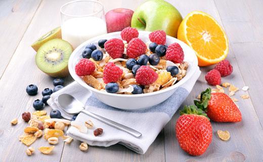 фрукты и ягоды в рационе