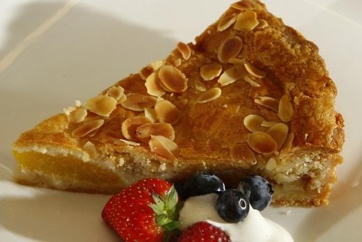 Яблочный пирог с миндалем рецепт c фото