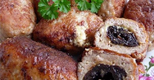 Котлеты с куриным филе сыром и черносливом
