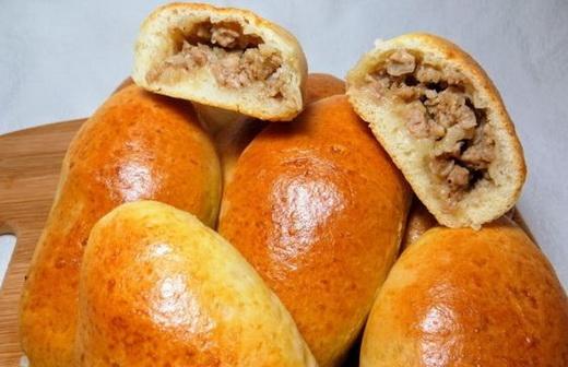 Пирожки в духовке с мясом и сыром