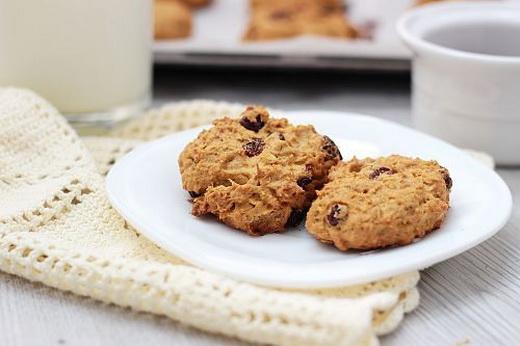 Печенье песочное с изюмом