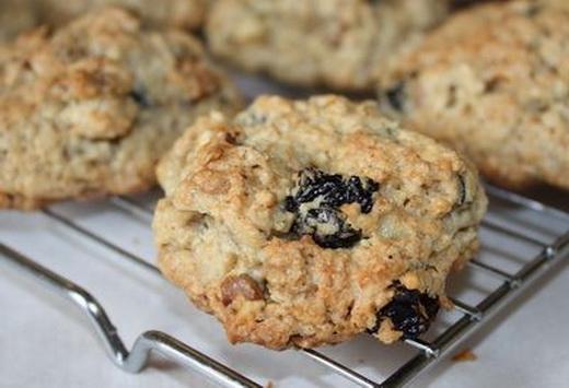 Печенье ореховое с изюмом