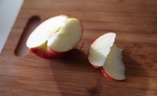 кусочек яблока