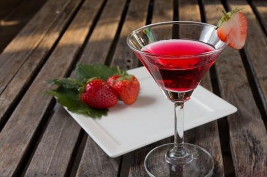 Вино клубничное из варенья