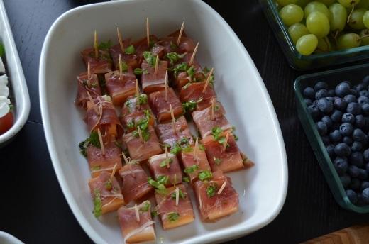 Закуски к праздничному столу канапэ рецепт c фото