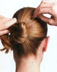 Прическа Узел в волосах - шаг 3