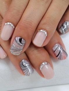 Дизайн ногтей со стразами: пошаговая ...: www.medmoon.ru/krasota/dizajn_nogtej_so_strazami.html