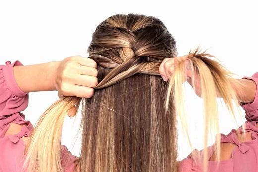 Заплетаем французскую косу на длинные волосы самой себе