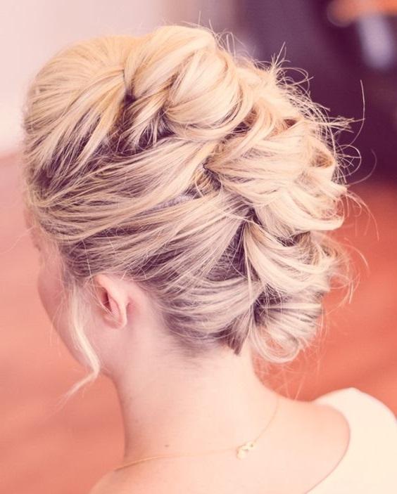 Прическа букли на волосы средней длины