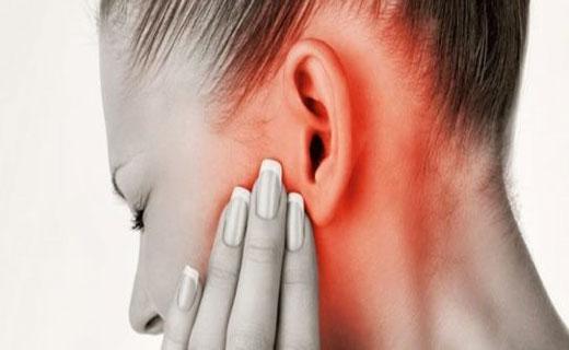 кровотечение  уха