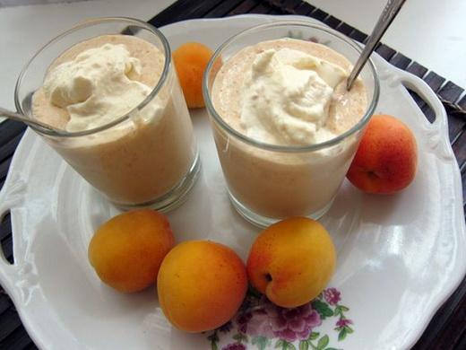 Йогурт с абрикосами