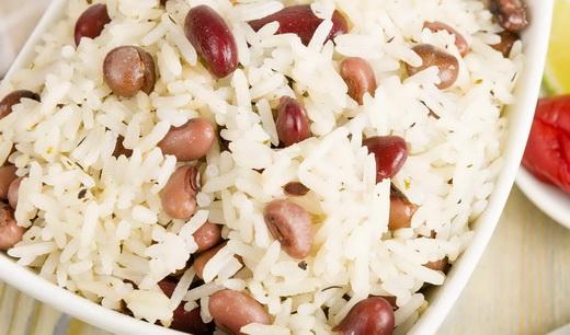 Рис с коровьим горохом
