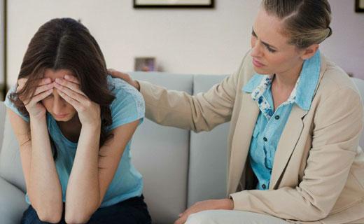как женщине попросить помощи