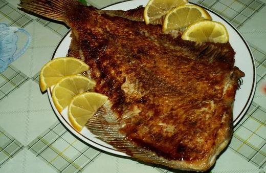 Жареная рыба камбала