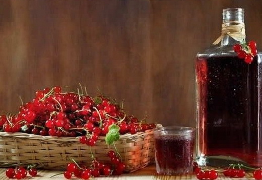 Настойка красной смородины