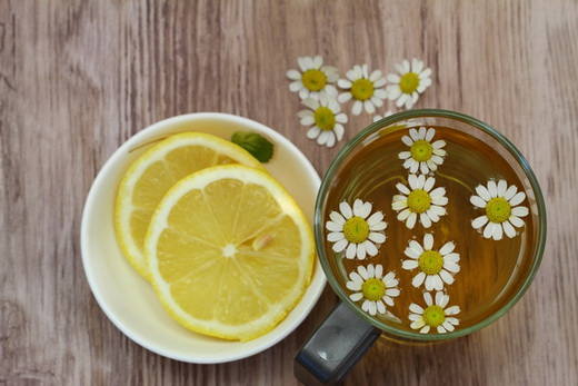 Отвар ромашки с лимоном