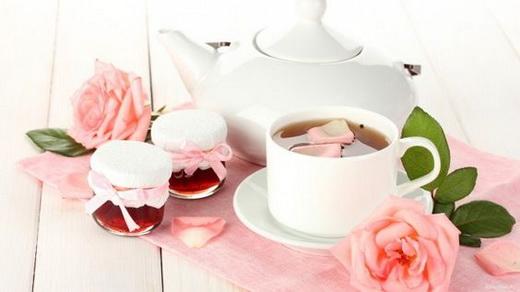 Чай с лепестками розы