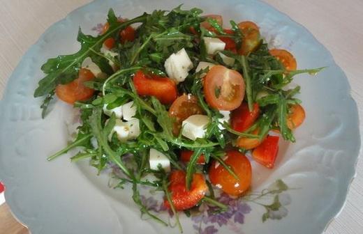 Салат с сурепкой